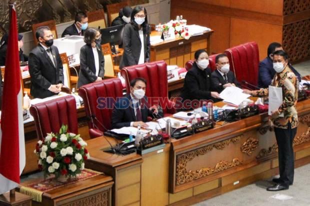 Airlangga Sebut Omnibus Law Bisa Berantas Pungli hingga Korupsi