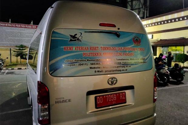 7 Pemuda di Makassar Pakai Mobil Pelat Merah Nonton Balap Liar
