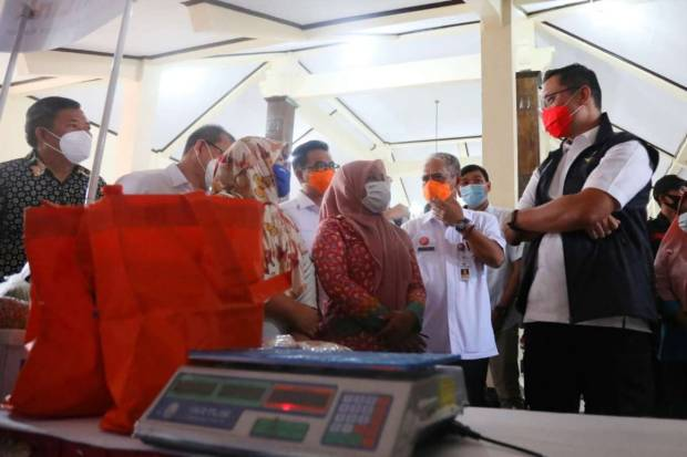 Belum Terima Bansos Tunai Rp300.000 per Bulan, Mensos: Segera Lapor Pak Lurah!
