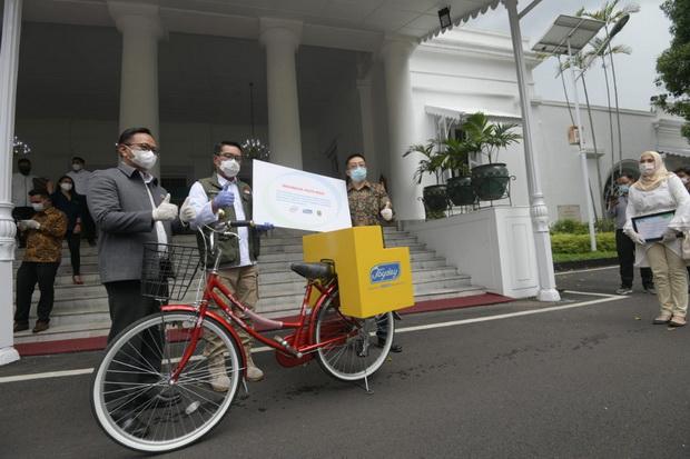Joyday Kasih Sepeda Serbaguna ke Pedagang Kecil, Kang Emil Balas dengan Doa