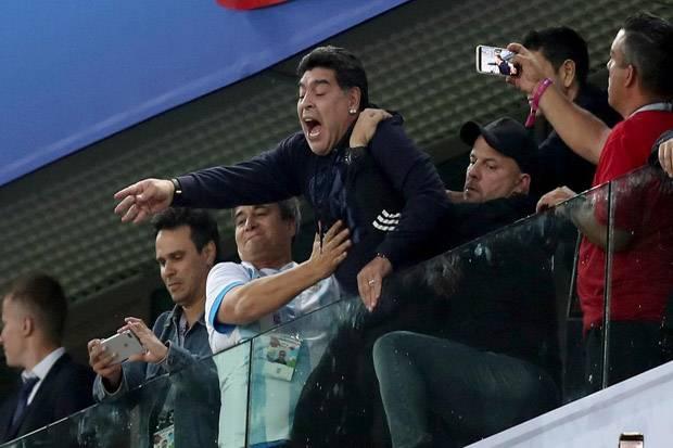 Cerutu dan Tangisan Maradona saat Ditinggalkan Gianinna