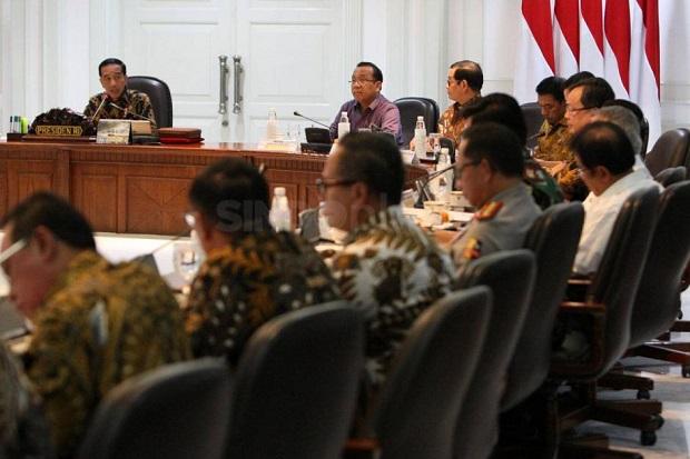 Jokowi dan Seluruh Menteri Setuju Pembentukan Holding Aviasi dan Pariwisata