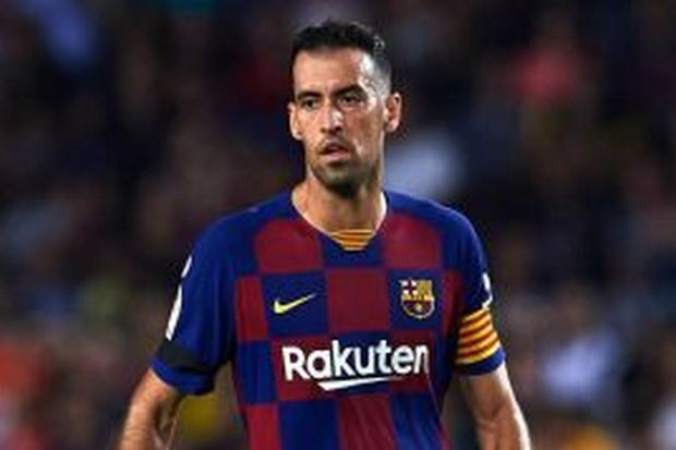 Busquets dan Dest Siap Bela Barcelona Lawan Osasuna