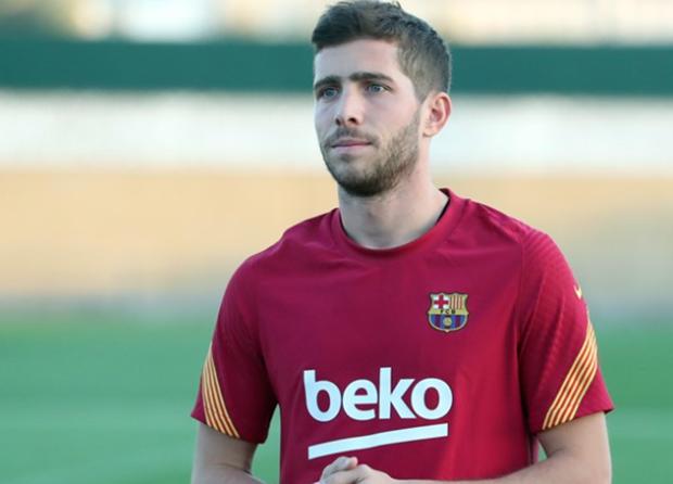 Bek Sayap Barcelona Sergi Roberto Terinfeksi Covid-19