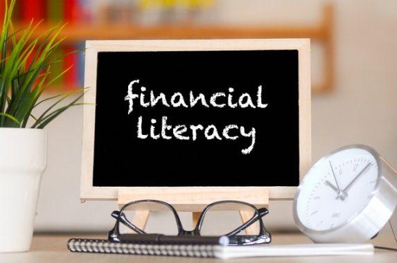 Piye Iki Gaes! Separuh Rakyat RI Nggak Ngerti Literasi Keuangan
