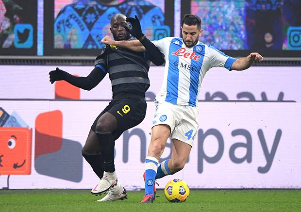Inter Bungkam Napoli, AC Milan Ditahan Imbang Genoa