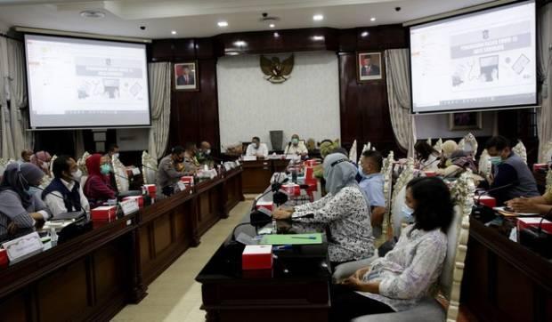 8 Titik Batas Kota Surabaya Dijaga Ketat, 10 Swab Hunter Disiapkan
