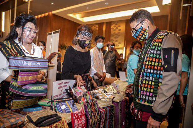 Dukung Gernas BBI 2021, Sandi Uno Ajak Masyarakat Beli dan Cintai Produk Lokal