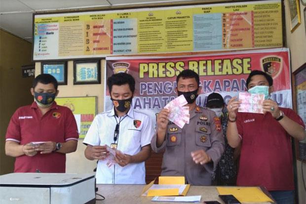 Beli Handphone Pakai Uang Palsu, Pemuda Baju Bodoa Maros Dijebloskan ke Penjara