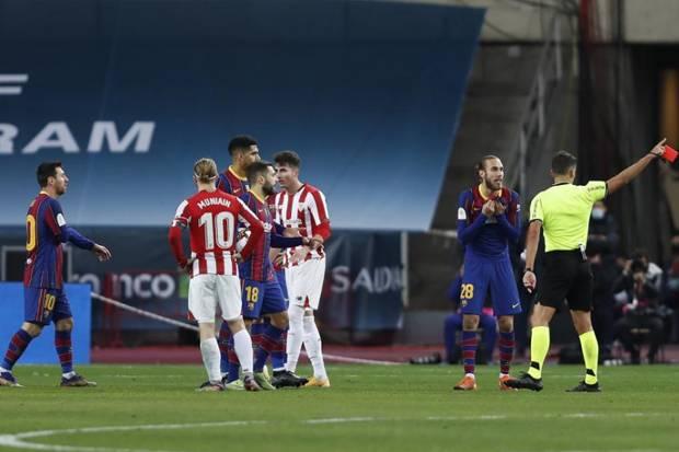 Diganjar Kartu Merah Pertama dalam Karier Barcelona, Messi Terancam Sanksi Berat