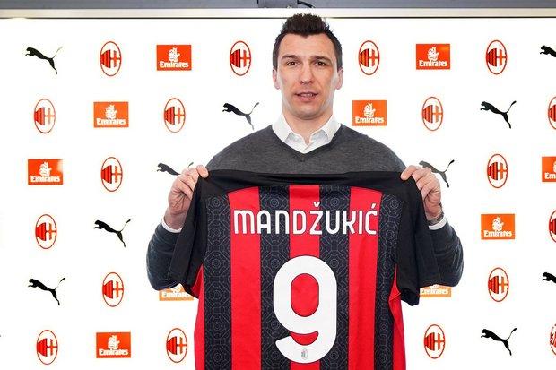 Resmi Gabung AC Milan, Mandzukic Kembali Lagi ke Eropa