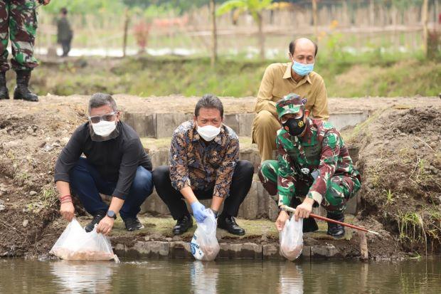Menteri Trenggono: Pengembangan Perikanan Budidaya Berpotensi Miliaran