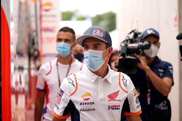 Marc Marquez Terlihat Masih Pakai Pelindung Tangan