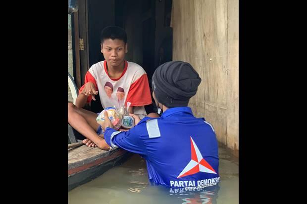 Demokrat Bantu Korban Banjir Berkaus Jokowi, Politikus PKS: Keren....