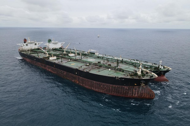 Bakamla Tangkap 2 Kapal Tanker Berbendera Asing Diduga Transfer BBM Ilegal