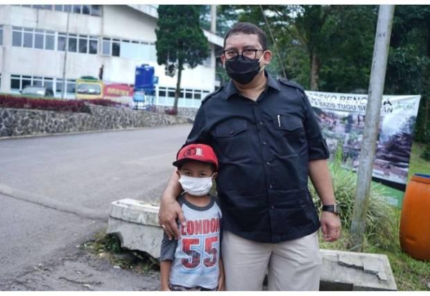 Fadli Zon Bertemu Fadli Zon di Lokasi Banjir Bandang Gunung Mas