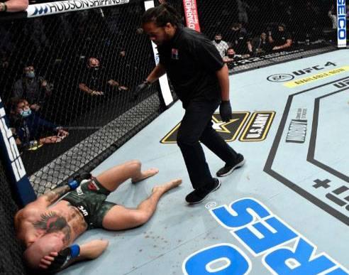 Mayweather Ejek Kekalahan KO McGregor: Pelacur Itu Tak Pantas Lawan Pacquiao