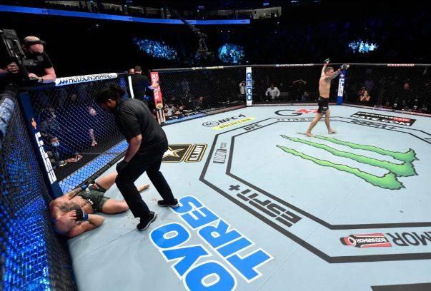 McGregor Di-KO Poirier, Pacquiao Menghindar: Kalah KO Menyedihkan