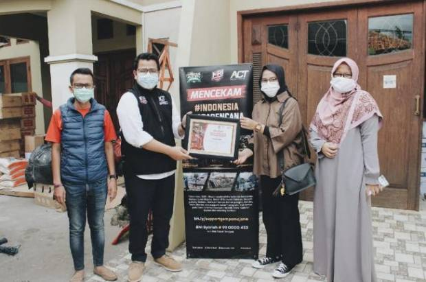 Ruang Sosial dan ACT Salurkan Bantuan Korban Bencana Alam di Indonesia