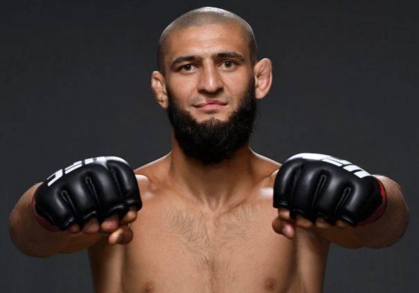Paru-paru Digerogoti Covid-19, UFC Terbangkan Khamzat Chimaev Ke Amerika