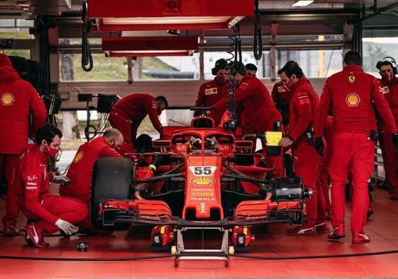 Ferrari Izinkan Sainz dan Leclerc Saling Jegal di F1 2021