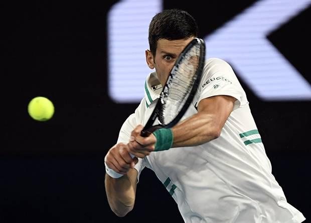 Bungkam Medvedev! Novak Djokovic Hat-trick Gelar Australian Open