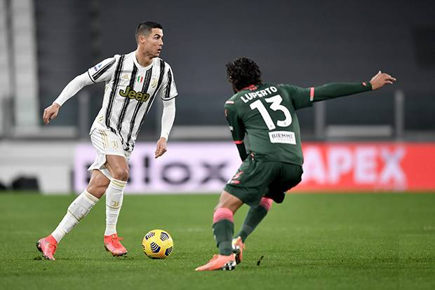 Brace Cristiano Ronaldo Warnai Kemenangan Juventus atas Crotone