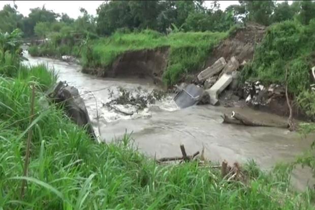 Berkali Kali Diterjang Banjir 2 Jembatan di Jombang Putus dan Rusak Parah