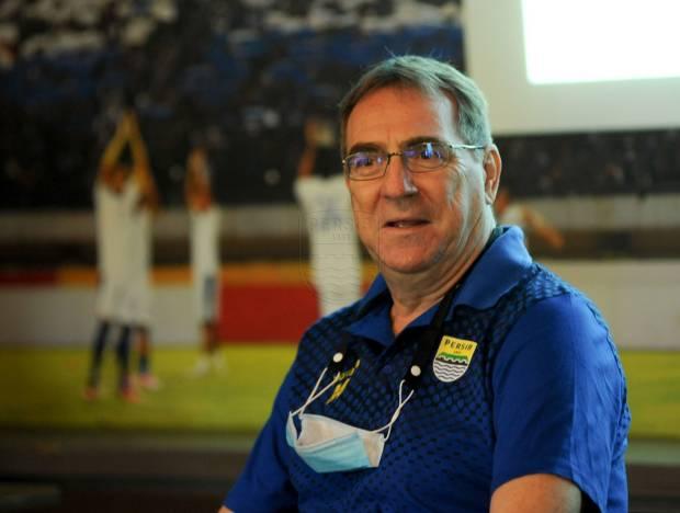Pelatih Persib Ingin Bobotoh Ikut Sukseskan Piala Menpora dari Jauh