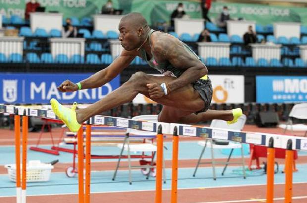 Sprinter Amerika Serikat Pecahkan Rekor Dunia Lari Gawang Indoor