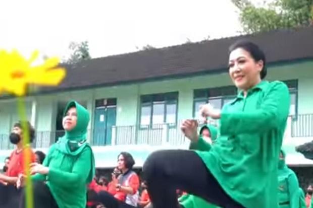 Ketum Persit KCK Ajak 221 Prasis Dikmaba Bergembira Sambil Berolahraga
