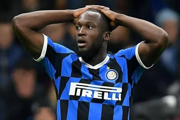 Minta Lautaro atau Skriniar Buat Bayar Transfer Lukaku, Man United Manfaatkan Krisis Keuangan Inter?