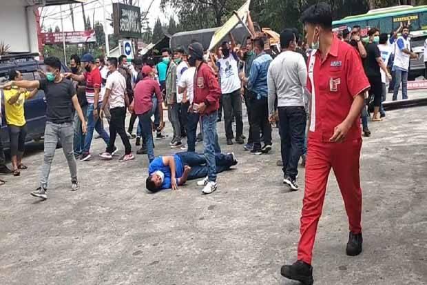 KLB Demokrat Diwarnai Bentrokan Massa, Satu Kader Terluka
