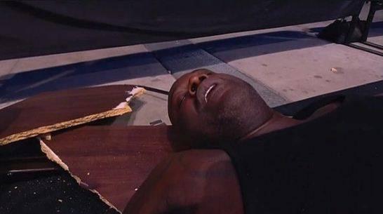 AEW Gempar! Raksasa NBA Shaquille O'Neal Terkapar Dilarikan Ke RS