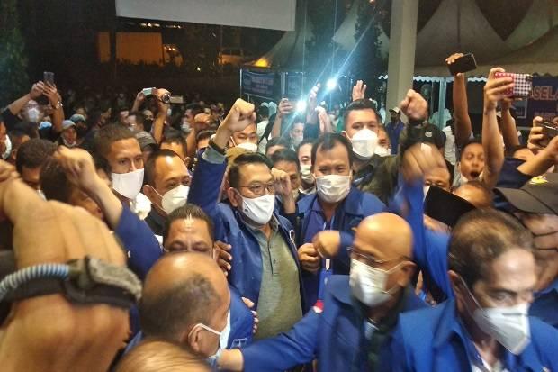 Kementerian Hukum dan HAM (Kemenkumham) dipastikan memproses hasil Kongres Luar Biasa (KLB) Partai Demokrat yang berlangsung singkat di Deli Serdang, Sumatera Utara, Jumta (5/3/2021) malam.