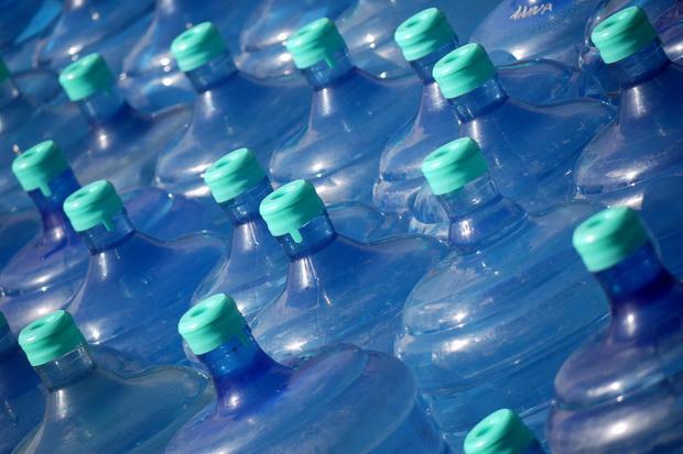 BPOM Diminta Keluarkan Label Peringatan BPA pada Galon Isi Ulang