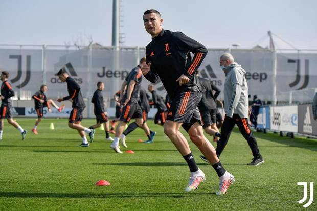Jelang Kontra Porto, De Ligt Absen, Ronaldo On Fire