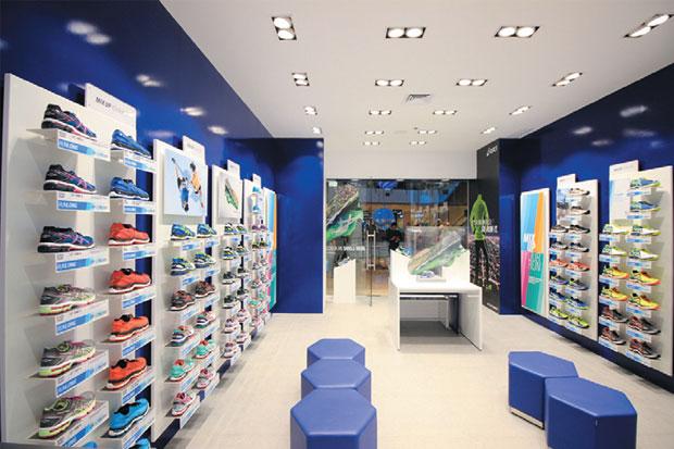 Asyik! Pabrik Sepatu Asics Bakal Hijrah dari China ke Indonesia