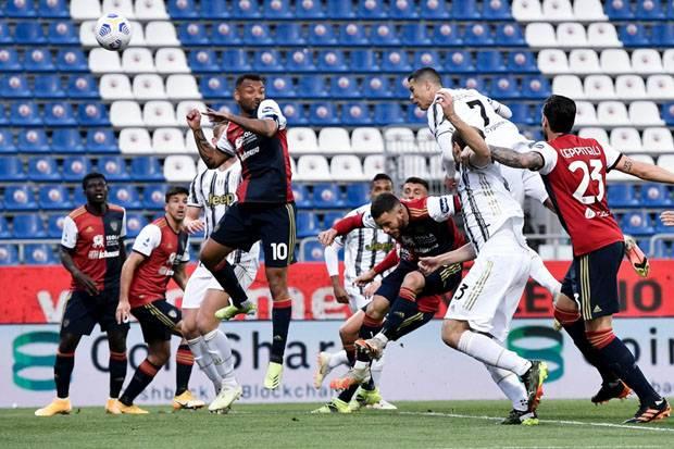 Hat-trick Sempurna Ronaldo, Pastikan Juventus Lumat Cagliari