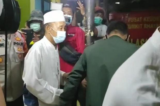 Orang Tua Terduga Teroris Tiba di RS Polri Kramat Jati