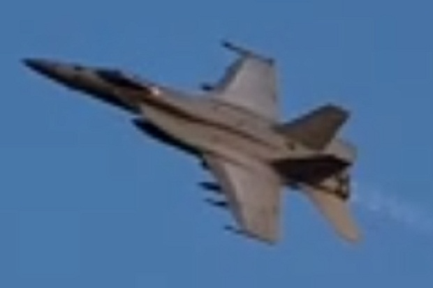 Ini Penampakan F-18 Hornet yang Bermanuver di Laut Natuna