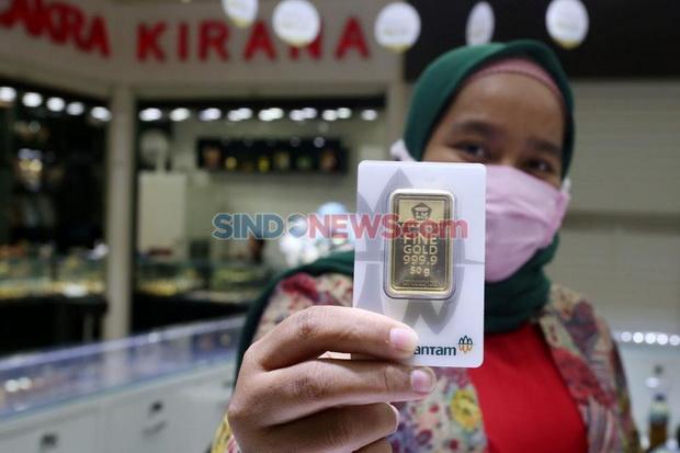 Harga Emas Hari Ini Turun Rp2.000 Per Gram, Cek Nih Daftarnya