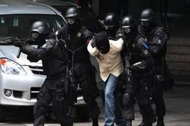 Densus 88 Tangkap 12 Terduga Teroris di DKI Jakarta