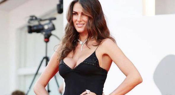 Francesca Sofia Novello Pengin Anak dari Valentino