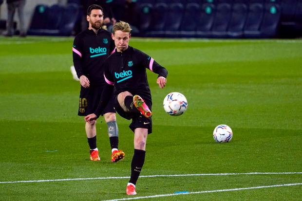 Real Madrid vs Barcelona, De Jong Komentari Perubahan Perannya Menjadi Bek