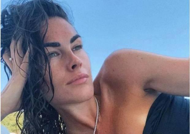 Ikatan Cinta Valentino Rossi dan Francesca Sofia Novello
