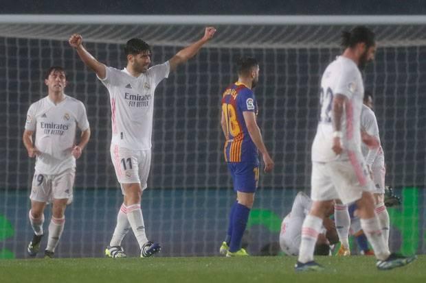 Zidane Santai Tanggapi Insiden Penalti Braithwaite-Mendy
