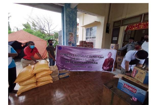 Kemnaker Galang Dana dan Salurkan Bantuan Logistik Korban Banjir Bandang NTT