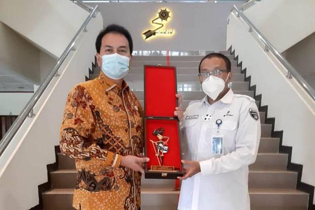 Azis Syamsuddin Minta Menteri BUMN Dukung PT Pindad dengan Ketersediaan Bahan Produksi