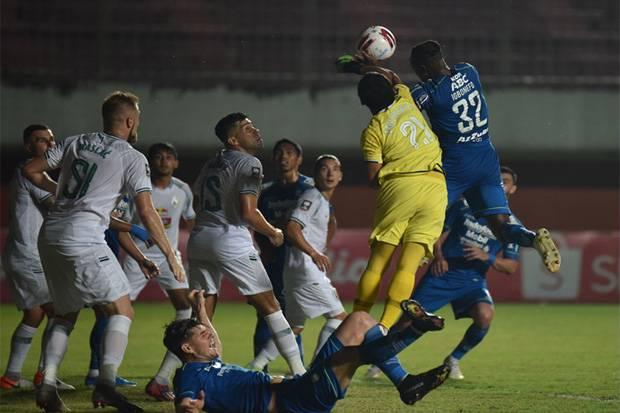 Leg Pertama Semifinal Piala Menpora 2021: Tragis, Persib Mengaum di Maguwoharjo